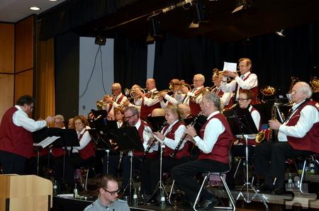Das Blasorchester Ü-50 in Concert spielte Ende November in der Aula des Gymnasiums am Turmhof zugunsten der Hilfsgruppe Eifel. Foto: Manfred Lang/pp/Agentur ProfiPress