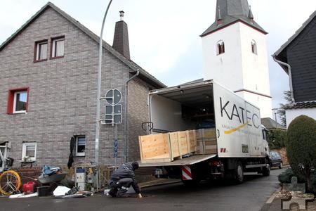 Die Firma Katec aus Jünkerath saniert seit Anfang des Jahres den Kanal und Hausanschlüsse unter anderem in Lessenich. Foto: Thomas Schmitz/pp/Agentur ProfiPress