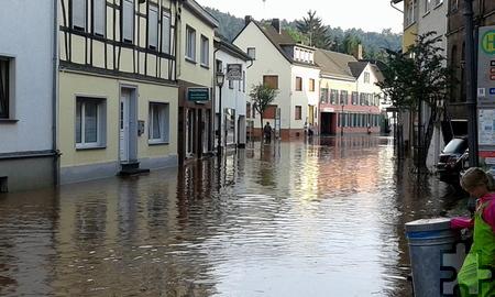 """Um extreme Wetterereignisse wie das Jahrhunderthochwasser in Kommern dreht sich die Sendung """"Die Fakten-Checker"""" am Samstag, 28. Januar, um 9.15 Uhr bei RTL. Foto: Diethard Eichinger-Heß/pp/Agentur ProfiPress"""