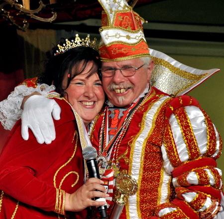 Ein Herz und eine Seele: Prinzessin Kerstin I. mit ihrem Lieblingsonkel Felix Wawer, der Prinz in Dahlem ist. Foto: Reiner Züll/pp/Agentur ProfiPress