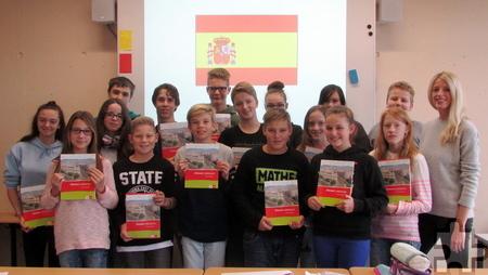 Schülerinnen und Schüler des Spanisch-Kurses mit Lehrerin Elena Kurzweil Foto: Gesamtschule Mechernich/pp/Agentur ProfiPress