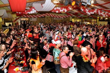 Die Bürgerhalle in Kall war bei der Prinzenproklamation bis auf den letzten Platz besetzt. Foto: Reiner Züll/pp/Agentur ProfiPress