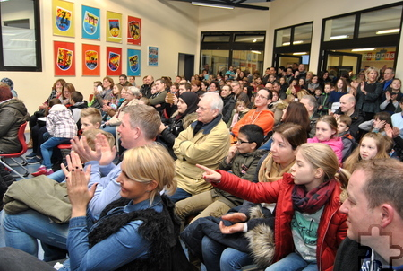 Applaus gab es in dem bis auf den letzten Platz gefüllten Forum für die Darbietungen der Gesamtschüler. Foto: Renate Hotse/pp/Agentur ProfiPress