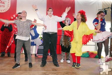 """Brachten mit ihrer Tanzeinlage Schwung in den Saal: die Tanzgruppe der Lebenshilfe HPZ """"Let's Dance"""". Foto: Steffi Tucholke/pp/Agentur ProfiPress"""