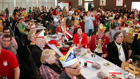 Etwa 300 Besucher aus dem gesamten Kreis Euskirchen kamen zur Karnevalssitzung für und mit behinderten Mitmenschen im Forum Zülpich. Foto: Steffi Tucholke/pp/Agentur ProfiPress