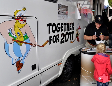 Das WM-Promo-Mobil des Deutschen Eishockey-Bundes macht samstags von 13 bis 18 Uhr beim Frühlingsmarkt am Möbelhaus Brucker Station. Foto: Reiner Züll/pp/Agentur ProfiPress