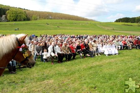 In diesem Jahr soll ein großer Chor die heilige Messe auf der Festwiese am Georgspütz musikalisch gestalten. Dafür werden noch Sänger und Chöre aus der Region gesucht. Foto: pp/Agentur ProfiPress