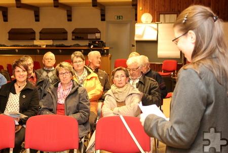 Friederike Büttner, Quartiersmanagerin beim Kreis Euskirchen, begrüßte die Besucher der ersten Netzwerkssitzung. Foto: Thomas Schmitz/pp/Agentur ProfiPress