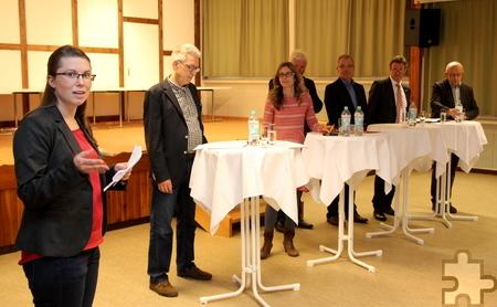 Die Partner (v.l.) im Überblick: Friederike Büttner (Kreis Euskirchen), Paul Stanjek (Verband Zwar), Corinne Rasky (Netzwerk an Urft und Olef), Herbert Radermacher (Gemeinde Kall), Malte Duisberg (Stiftung Eva), Manfred Poth (Kreis Euskirchen) und Karl Vermöhlen (Ortsvorsteher Sistig). Foto: Thomas Schmitz/pp/Agentur ProfiPress