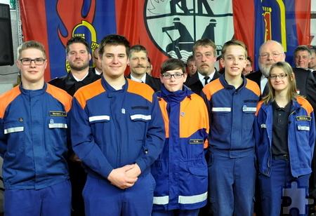 Fünf Mitglieder der Sistiger Jugendfeuerwehr bestanden die Prüfung zur ersten Stufe der Jugendflamme. Foto: Reiner Züll/pp/Agentur ProfiPress