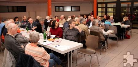 Gut 65 Mitglieder des Freundeskreises waren ins Oktogon in Mechernich gekommen, um einen neuen Vorstand zu wählen. Foto: Thomas Schmitz/pp/Agentur ProfiPress