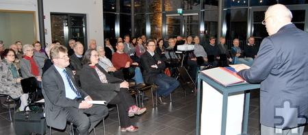 """Zahlreiche Freunde und Förderer des LVR-Industriemuseums Tuchfabrik Müller kamen zur Mitgliederversammlung in der """"Mottenburg"""" zusammen. Foto: Renate Hotse/pp/Agentur ProfiPress"""