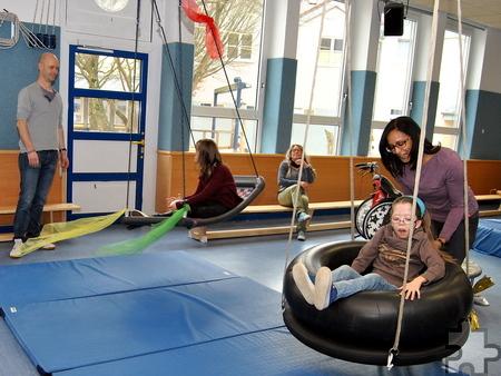 Bei der Physiotherapie werden die motorischen Fähigkeiten der Schüler gestärkt. Foto: Renate Hotse/pp/Agentur ProfiPress