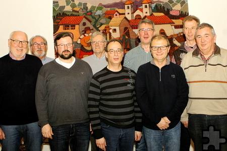 Der neue Vorstand des MGV Kommern mit seinem Vorsitzenden Wolfgang Stratmann (hinten, 2.v.r.). Foto: Paul Düster/pp/Agentur ProfiPress