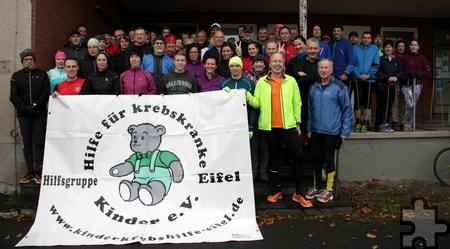 Fünf Vereine beteiligen sich am Winterlauftreff. Die Teilnehmer spenden Geld für die Hilfsgruppe Eifel. Foto: Privat/pp/Agentur ProfiPress