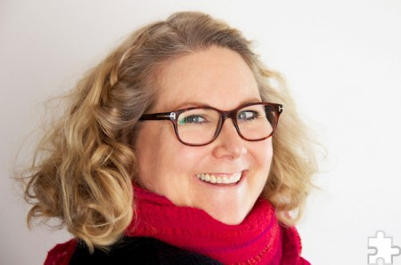 """Mit Kerstin Gier holt die Lit.Eifel eine Bestsellerautorin in die Region, die ihre Fans unter anderem mit den Buchreihen rund um die """"Mütter Mafia"""" und die Edelstein-Trilogie (""""Rubinrot"""", """"Saphirblau"""", """"Smaragdgrün"""") begeisterte. Foto: Privat"""