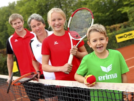 """Der TC Blau-Gold Kommern lädt im Rahmen der DTB-Aktion """"Deutschland spielt Tennis!"""" zum Tag der offenen Tür ein. Foto: DTB/pp/Agentur ProfiPress"""
