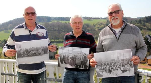 Die Lahmeyer-Rentner Günter Liebertz (v.l.), Peter Flimm und Robert Ohlerth sind auf der Suche nach ehemaligen Kollegen, die sie zu einem gemeinsamen Treffen bewegen wollen. Foto: Thomas Schmitz/pp/Agentur ProfiPress