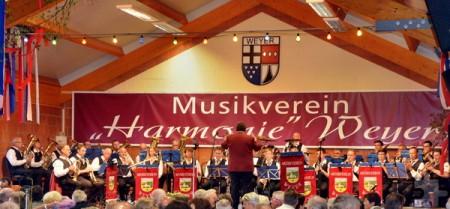 """Der Musikverein """"Harmonie"""" Weyer, hier beim Konzert im Jahr 2015, feiert am 20. und 21. Mai sein 65-jähriges Bestehen. Foto: Privat/pp/Agentur ProfiPress"""