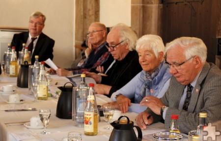 Die Mitgliederversammlung fand im Kapitelsaal des Klosters statt. Die Mitglieder lauschten dem Bericht des Schatzmeisters, der mit der Finanzlage des Vereins zufrieden war. Foto: Kirsten Röder/pp/Agentur ProfiPress