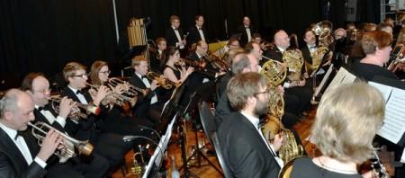 """In der Rheinischen Bläserphilharmonie, deren Vorbild das """"Eastman Wind Ensemble"""" war, ist jede Orchesterstimme – mit Ausnahme der B-Klarinetten – nur von einem Musiker besetzt, was für die herausragende Qualifikation der einzelnen Instrumentalisten spricht. Foto: Manfred Lang/pp/Agentur ProfiPress"""