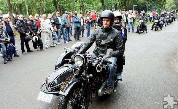 Die Liebhaber alter Motorräder kommen am Sonntag, 28. Mai im Kommerner Mühlenpark auf ihre Kosten. Foto: Privat/pp/Agentur ProfiPress
